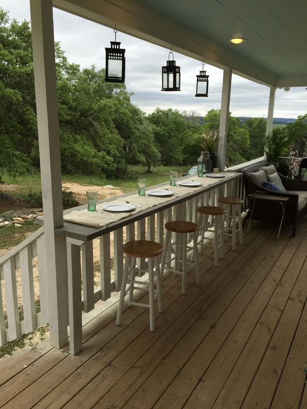 Turn your railing into a eat up bar rhyne farm for Diy balcony bar